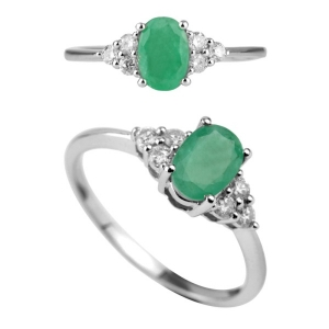 Engagement Emerald Ring